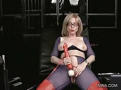 Nina Goes On Masturbating With Vibrating Wand 3